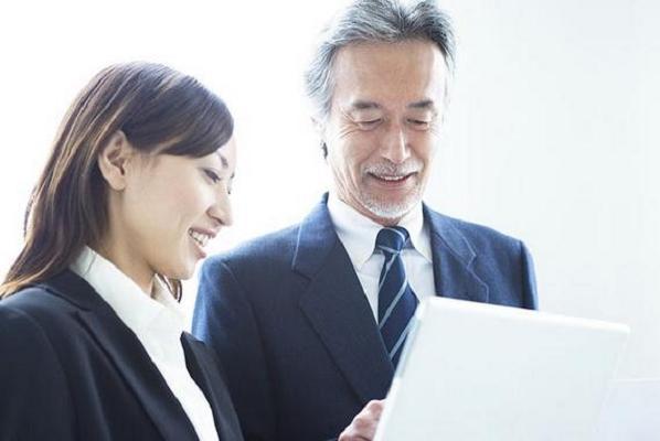上司が好きな人必見!周囲に内緒でアプローチする7つの方法