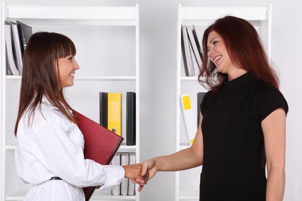 同僚女性とうまくやっていくため必要な7つのテクニック
