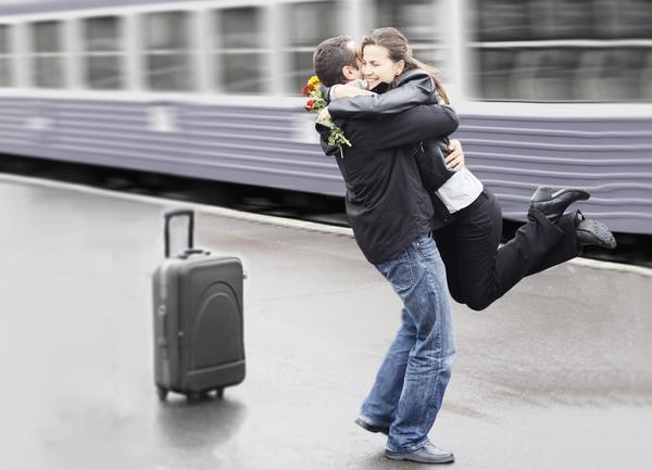 遠距離恋愛の秘訣!ラブラブカップルに必須な条件とは?
