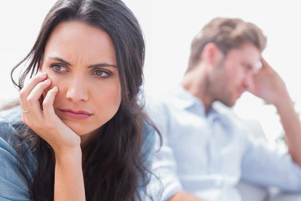 夫の浮気の証拠をつかむため妻がとるべき行動とは?