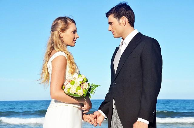 結婚にかかる費用を見積もり、式場を賢く選ぶ7つのコツ