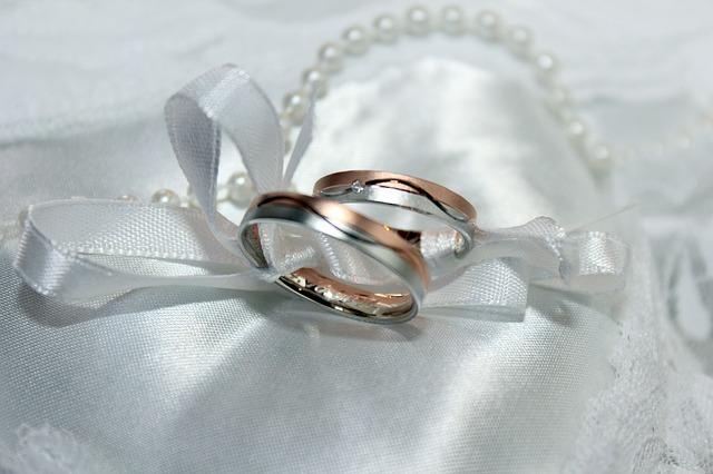 結婚指輪の相場やデザイン、選び方など7つの基礎知識